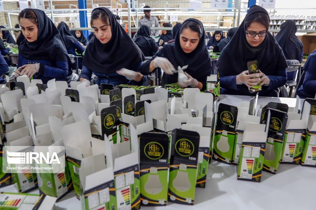 """بهره برداری نرم افزار """"پیشتاز"""" درشرکت صنایع روشنایی آروند الکتریک تجارت ایرانیان"""